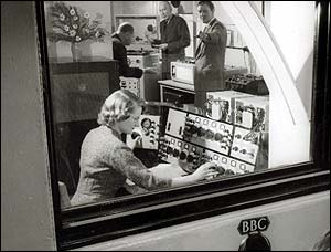 Daphne Oram at the controls in the 50s