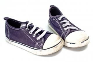 Pair-of-blue-and-white-sneakers--infant_19-133606