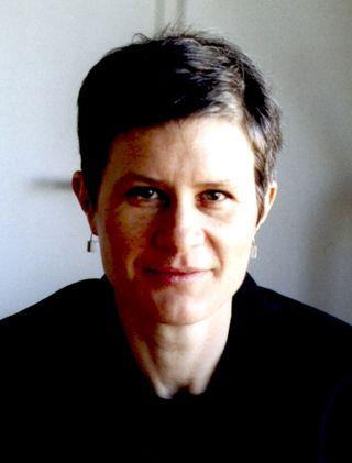 Sarah-Wigglesworth-credit-Fam-van-de-Heynin_380