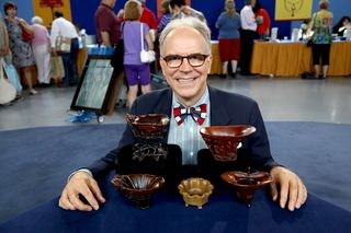 ANTIQUES-ROADSHOW-RHINO-CUPS