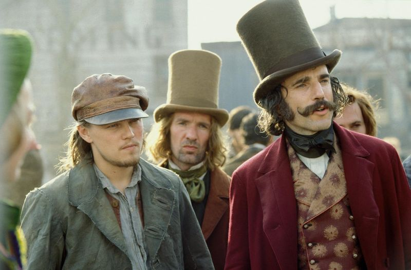 Still-of-leonardo-dicaprio-and-daniel-day-lewis-in-gangs-of-new-york-(2002)-large-picture