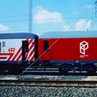 Renfe Paquexpres tren 2