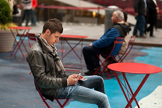 People-Texting-On-Streets-2