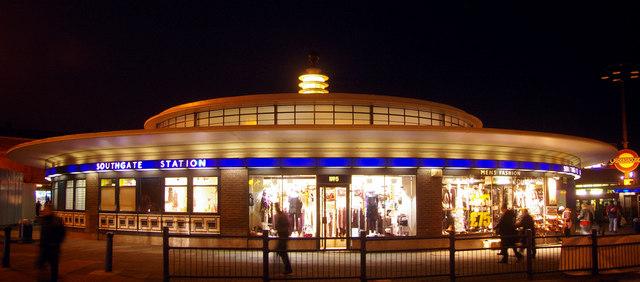 Southgate_station_london_1933 _geograph-org-uk_-_1605783