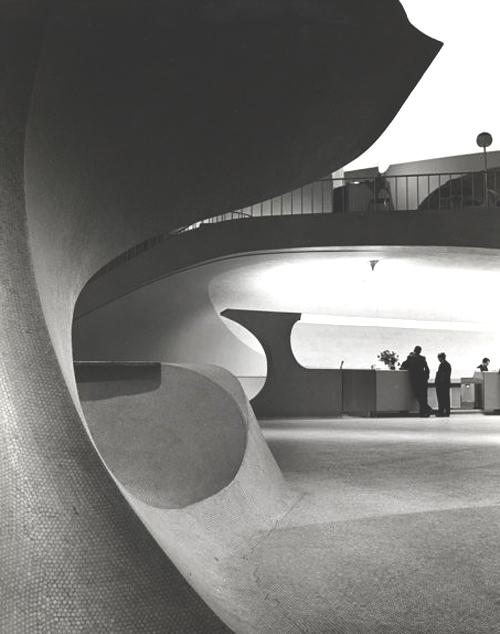 TWA-terminal-Saarinen