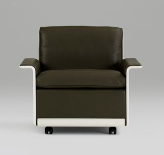 Dezeen_Dieter-Rams-620-Chair-Programme-relaunched-by-Vitsœ_4a