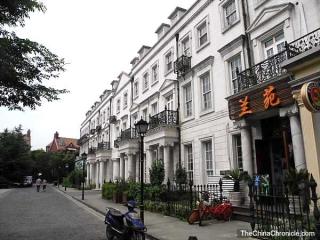 Thames-town-british-replica